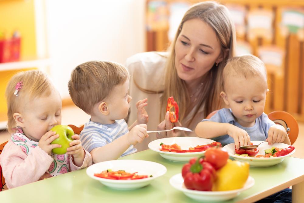 Kebersihan Alat Makan Anak