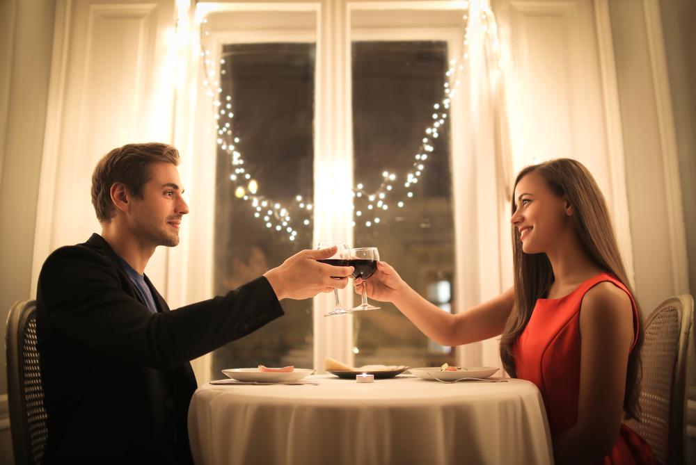 Makan malam romantis