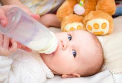 2 Kesalahan Yang Perlu Dihindari Saat Memberikan Susu Formula
